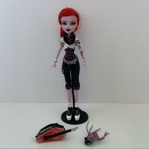 Monster High doll Operetta with pet